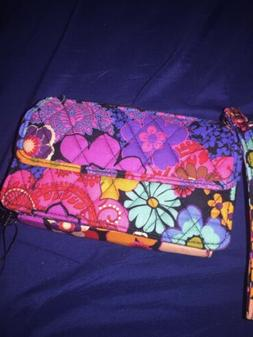 Vera Bradley All In One Crossbody For I Phone 6 NWT/floral F