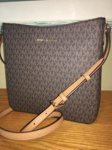 MICHAEL KORS JET TRAVEL CROSSBODY BAG