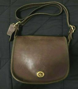 Vintage Brown Leather Coach Cross Body Bag! Gold Tone Hardwa